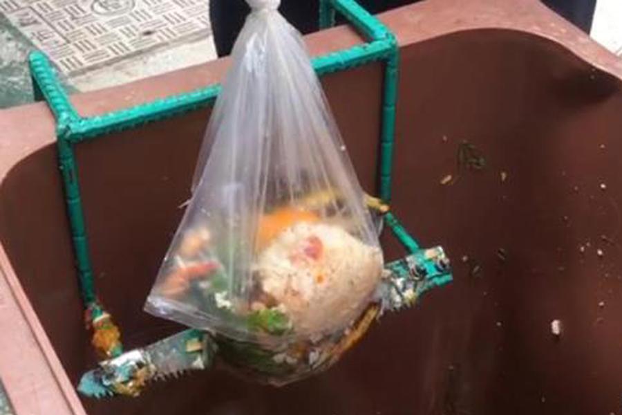 """厨余垃圾破袋有""""神器"""",卫生管理两不误"""